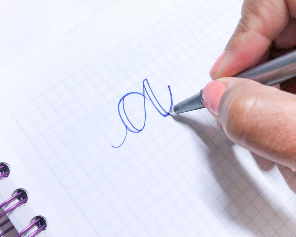 Faux Calligraphy Tutorial Step 2 | Learn How to Make Faux Calligraphy | Step by step calligraphy tutorial by Vial Designs | Easy to follow tutorial to learn calligraphy and hand lettering #moderncalligraphy #lettering #handlettering