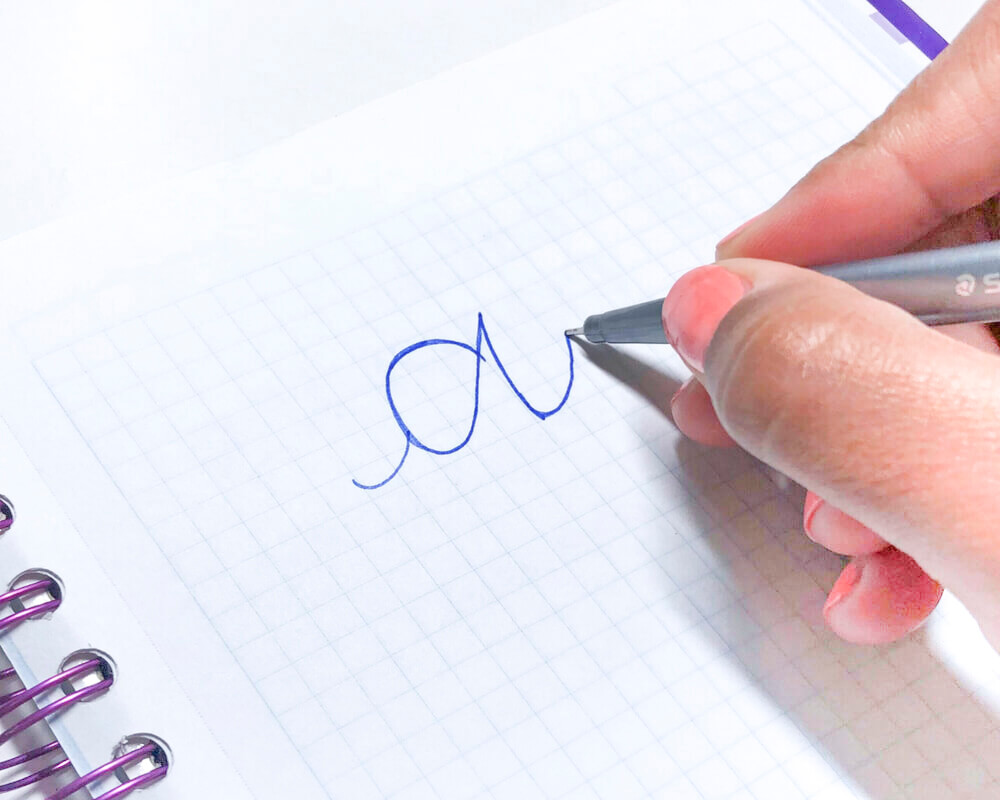 Faux Calligraphy Tutorial Step 1 | Learn How to Make Faux Calligraphy | Step by step calligraphy tutorial by Vial Designs | Easy to follow tutorial to learn calligraphy and hand lettering #moderncalligraphy #lettering #handlettering