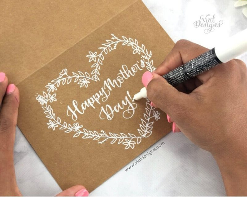 DIY Mother's Day Card_Hand lettering and floral doodle tutorial